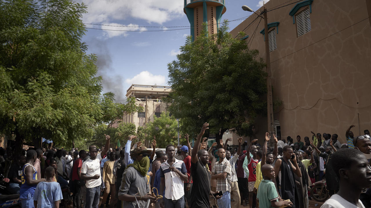 Photo of Mali opposition declares truce as regional leaders prepare for negotiations