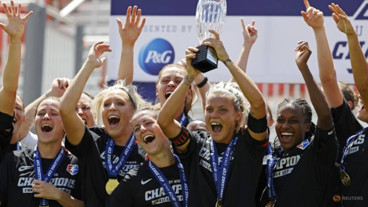 Photo of Houston Dash upset Chicago Red Stars to win NWSL Challenge Cup