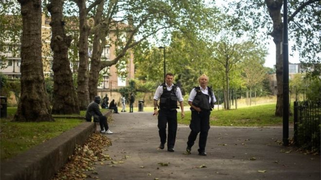 Photo of Walworth park attack: Man 'stabbed by knife-wielding gang'
