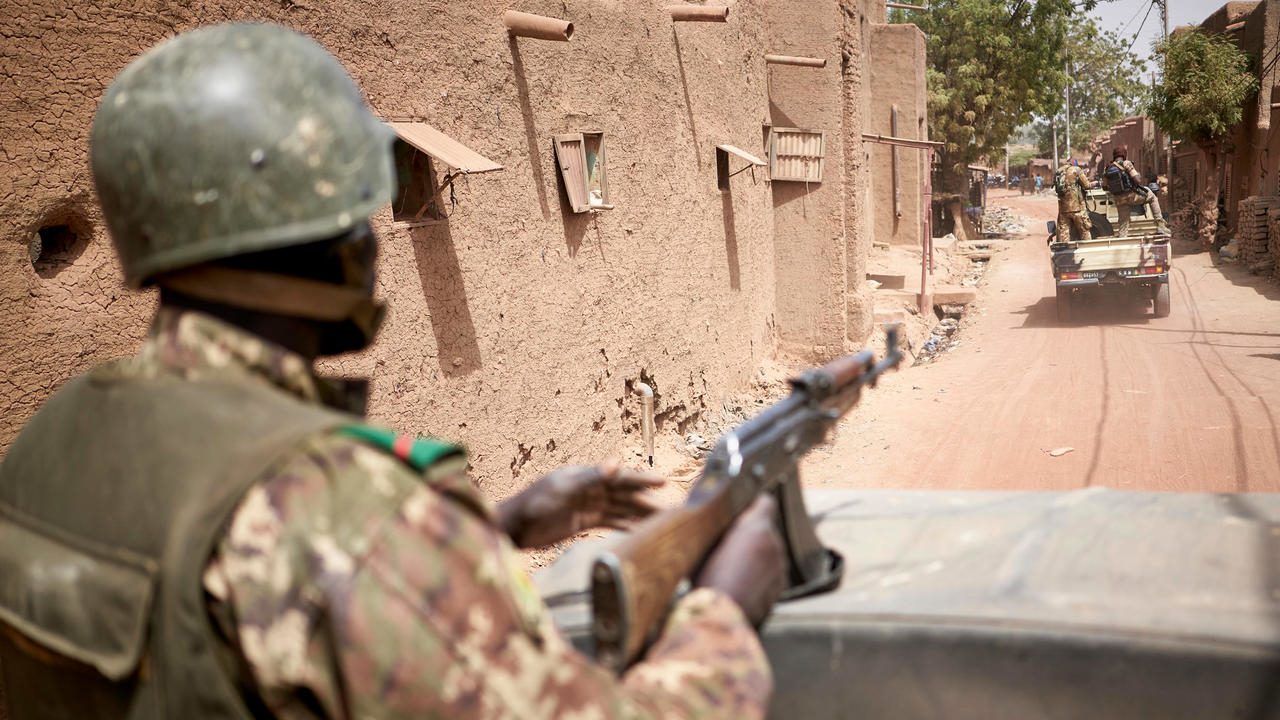 Photo of Soldiers killed in twin attacks in central Mali, political crisis continues
