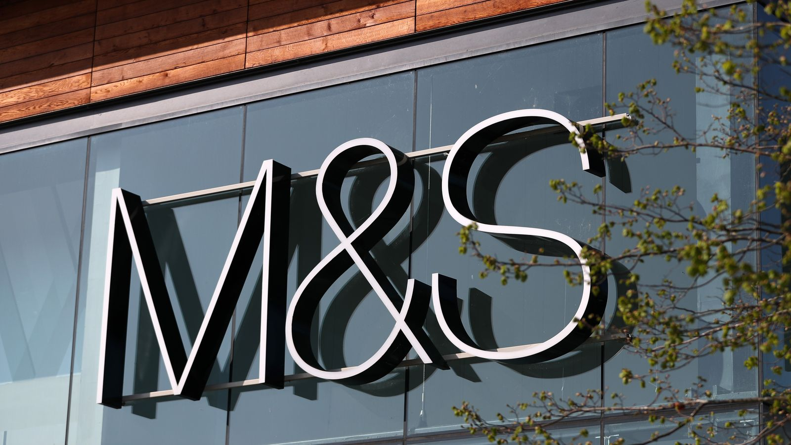 Photo of Marks & Spencer to cut 7,000 jobs over the next three months