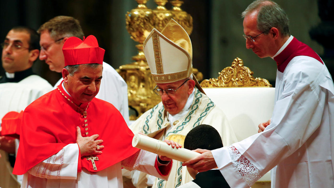 Photo of Vatican cardinal embroiled in real estate scandal resigns unexpectedly