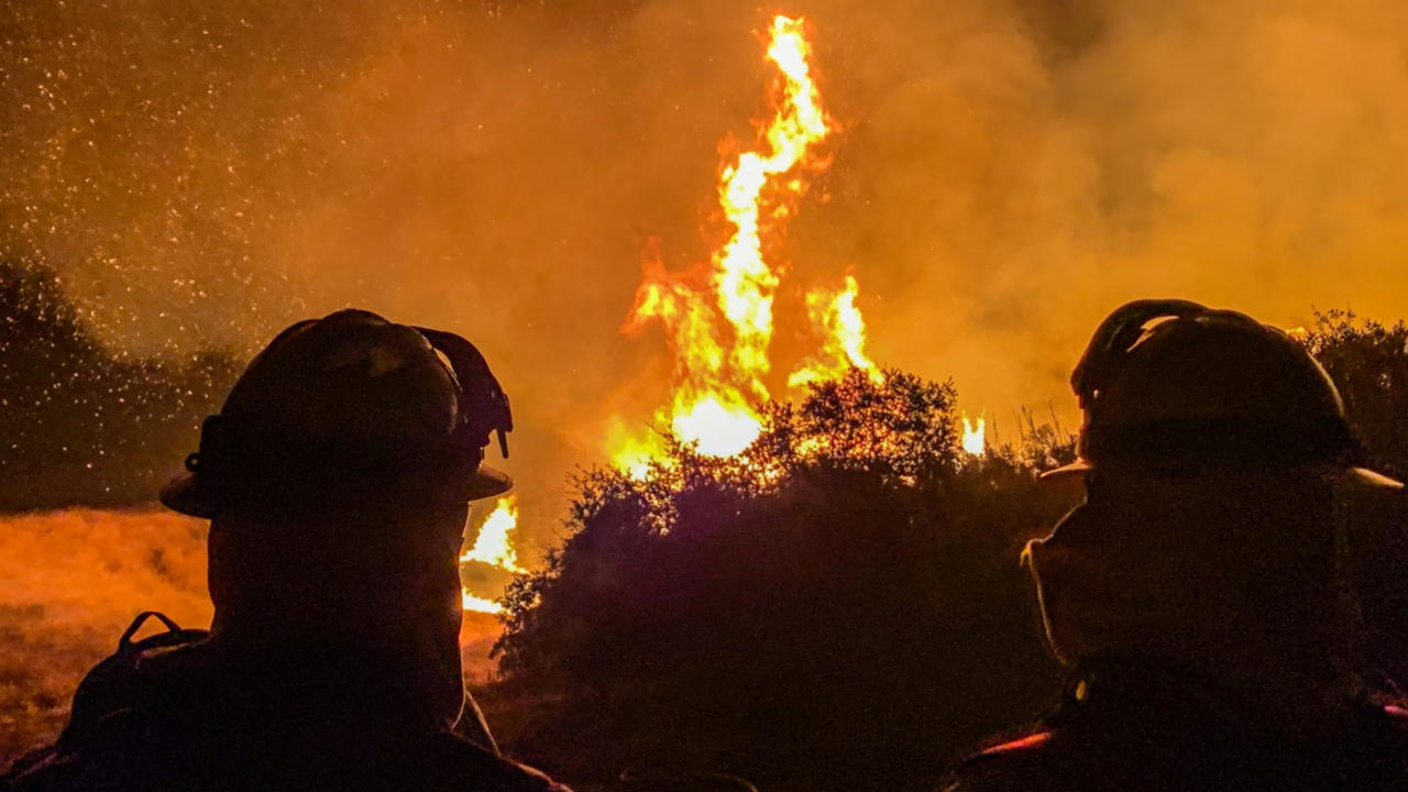 Photo of Wildfires burn through California amid record-breaking heat wave