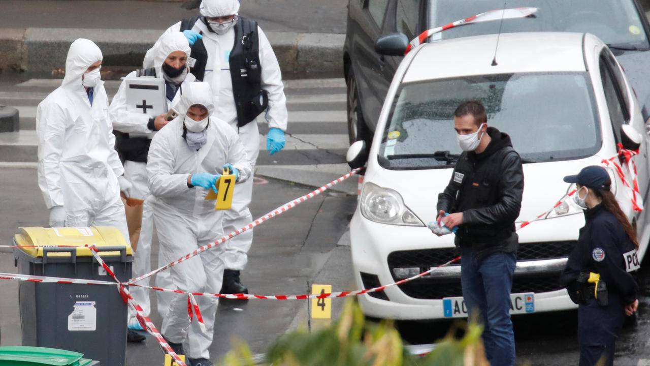 Photo of Suspect in Paris knife attack confesses to stabbings