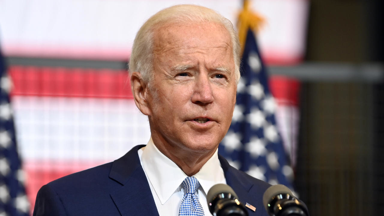 Photo of Biden accuses 'toxic' Trump of trying to sow chaos in the United States