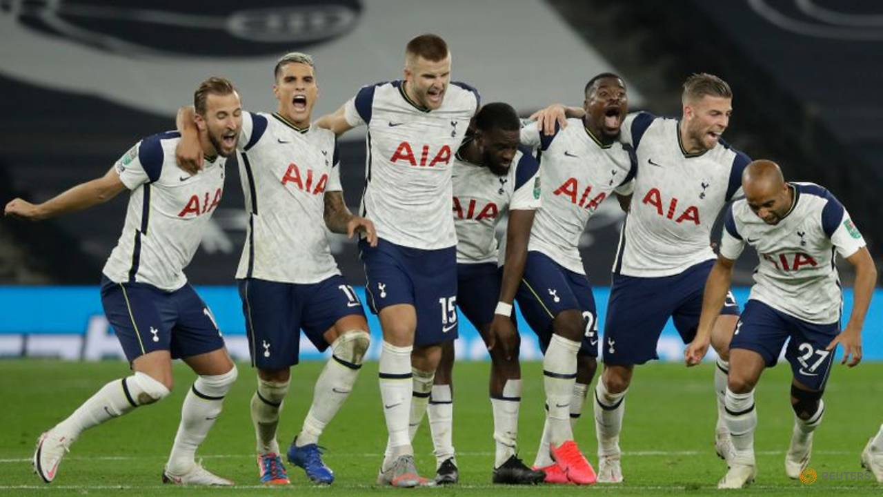 Photo of Spurs edge Chelsea in League Cup after Mount shootout miss