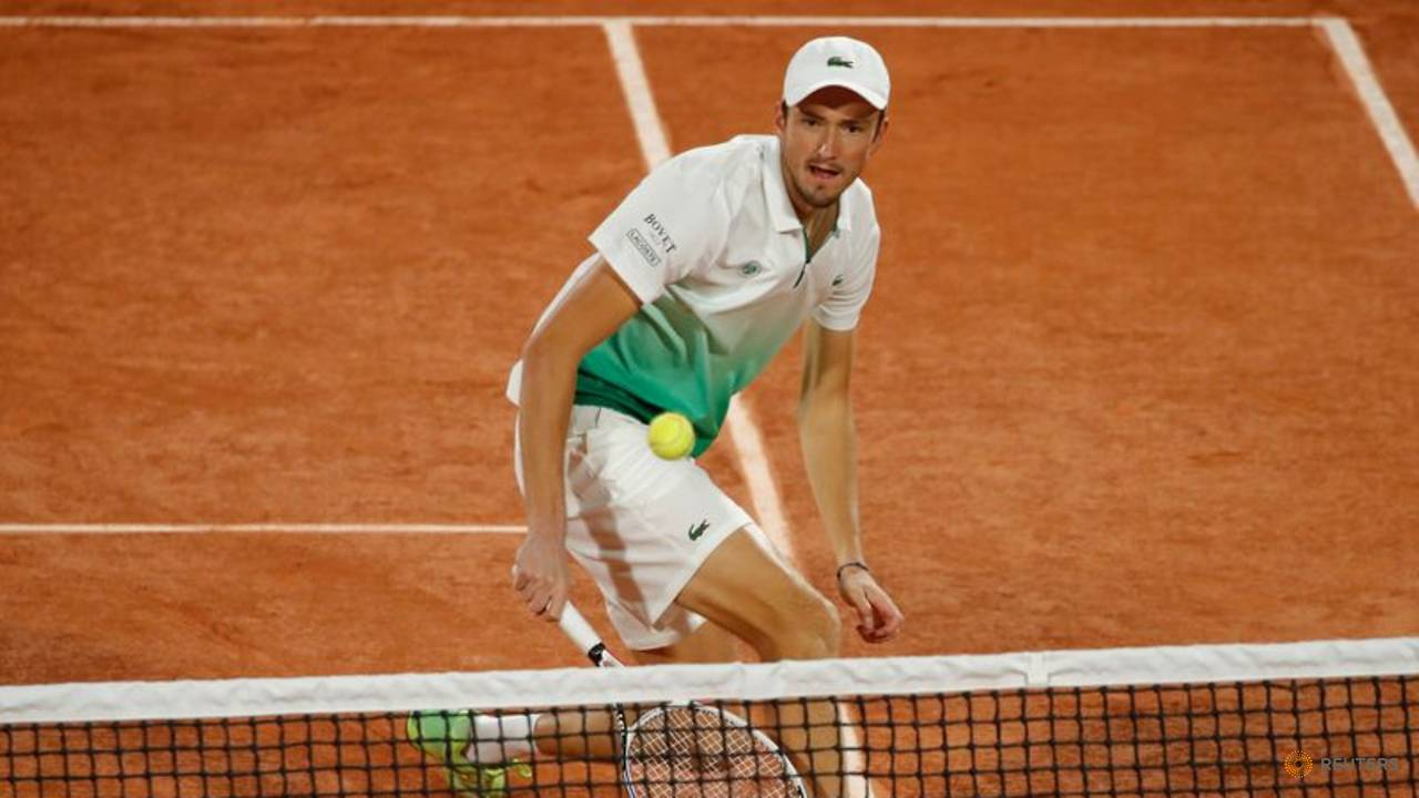 Photo of Tennis: Fourth seed Medvedev sent packing by Fucsovics