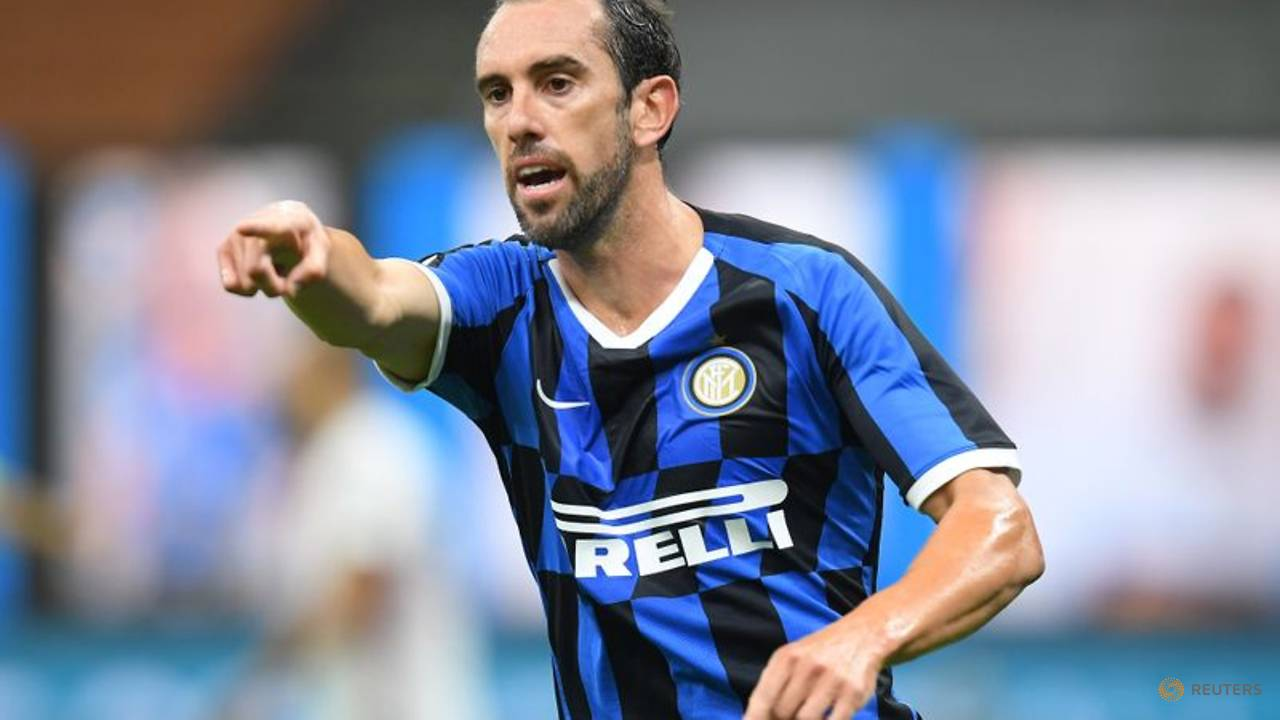 Photo of Uruguay captain Godin joins Cagliari after one season at Inter