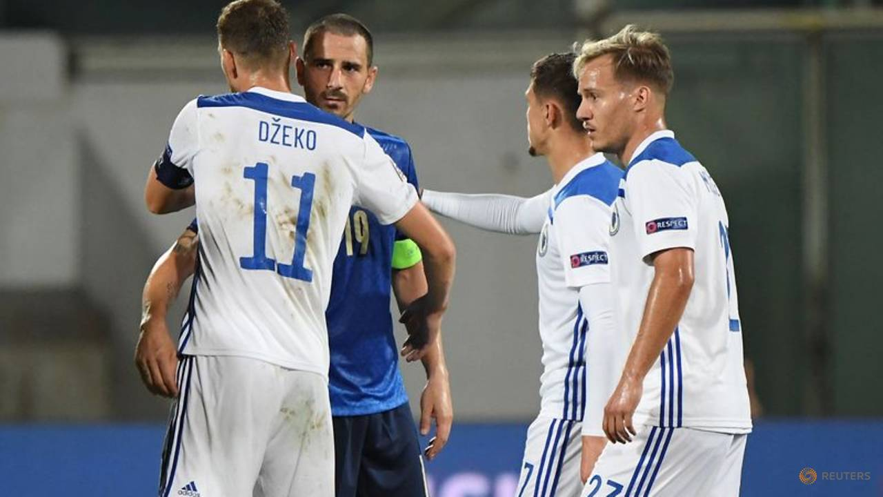 Photo of Bosnia end Italy's 11-match winning run with 1-1 draw