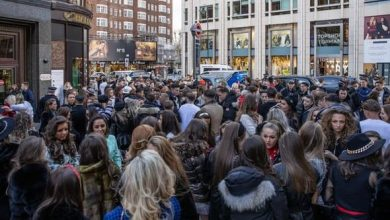 Photo of COVID SHAME: Crowds pack into shops in shocking social distancing flout 'Sick joke'