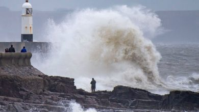 Photo of Storm Bella: high winds add to flooding chaos across UK