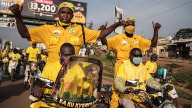 Photo of Ugandan opposition leader under arrest as Museveni wins sixth term