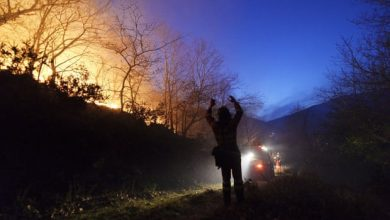 Photo of Spanish firefighter jailed after starting a fire to 'satisfy his ego'